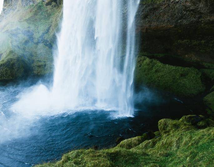 waterfall jeff-sheldon-2552-unsplash